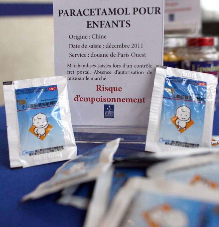 Paris, le 26 janvier 2012. Un type de faux médicament saisi par les douanes françaises.