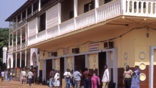 As ruas da capital, Bissau