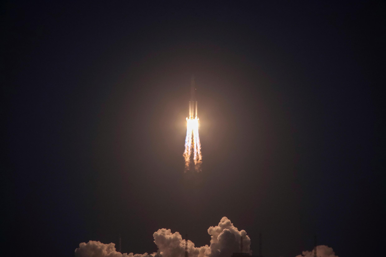 2017年7月2日,中國長征五號火箭在海南文昌發射中心發射失敗。