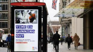 Una parada de autobús con información sobre el Brexit para las empresas, en Londres, Reino Unido, el 14 de diciembre de 2020