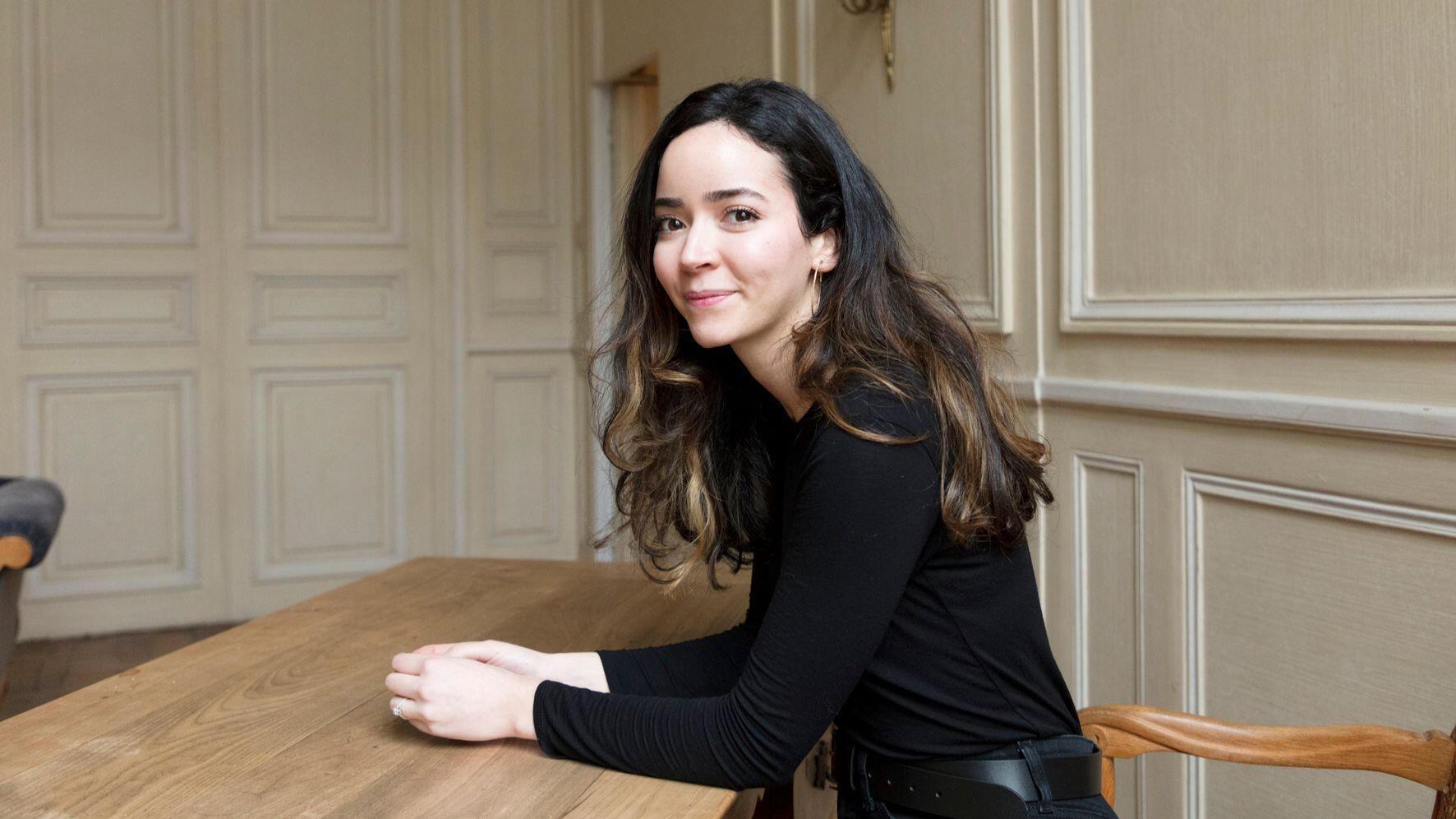 """Asya Djoulaït publie son premier roman """"Noire précieuse"""" aux éditions Gallimard."""