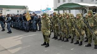Церемония начала военных учений на американской базе Сасебо на юге Японии