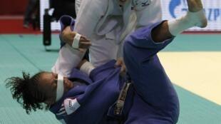 Alem da brasileira Mayra, a norte-americana Kayla Harrison disputou o campeonato com a francesa  Celine Lebrun.
