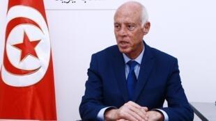 Kaïs Saïed, 61 ans, est arrivé en tête du premier tour de l'élection présidentielle tunisienne.