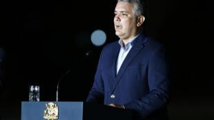 O presidente Iván Duque chegou a cogitar a exclusão dos venezuelanos ilegais de seu programa de vacinação (imagem de arquivo)