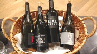Чемпионат по слепой дегустации вин проводится в седьмой раз