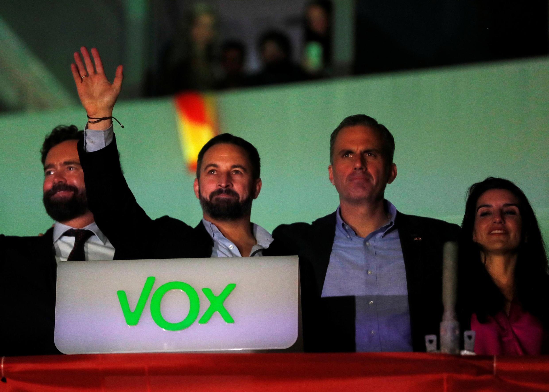 """حزب راستافراطی """"وکس"""" در انتخابات اخیر در اسپانیا پیشرفت چشمگیری داشت و نسبت به دور گذشته کرسیهای بیشتری در پارلمان کسب کرد."""