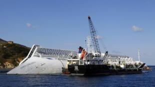 Mais oito corpos foram localizados no Costa Concordia nesta quarta-feira.
