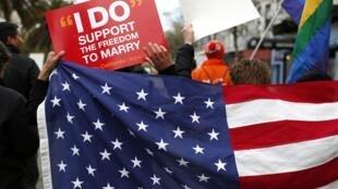 A Suprema Corte dos Estados Unidos debatem hoje e amanhã sobre a legalização do casamento homossexual.