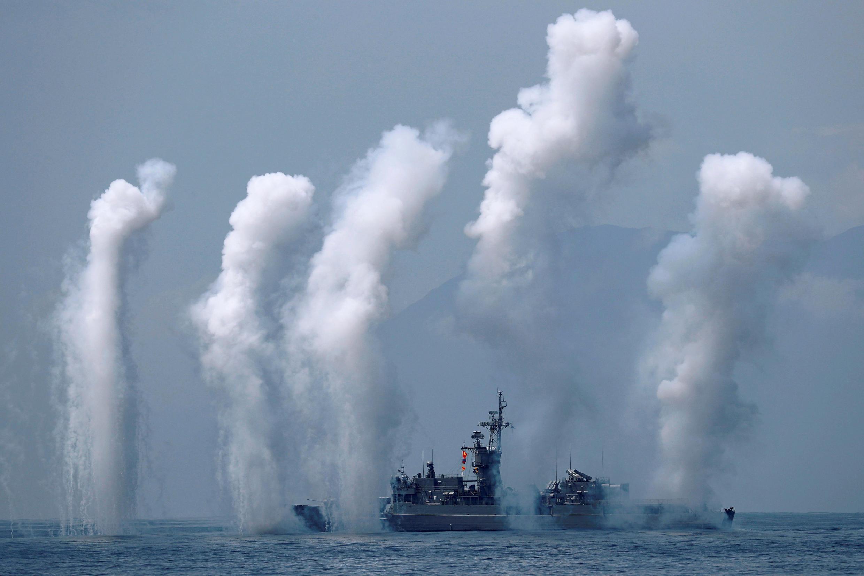 Chiến hạm Phụng Dương (Fong Yang, FFG-933) thuộc lớp Nặc Khắc Tư (Chi Yang, hay Knox) của Đài Loan tham gia tập trận tại căn cứ Hải quân Nghi Lan (Yilan), ngày 13/04/2018.