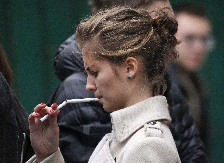 Doenças relacionadas ao tabagismo matam 73 mil pessoas por ano na França.