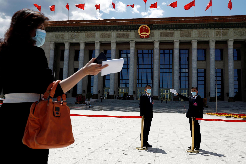 Bên ngoài trụ sở Quốc Hội Trung Quốc tại Bắc Kinh ngày 27/05/2020.
