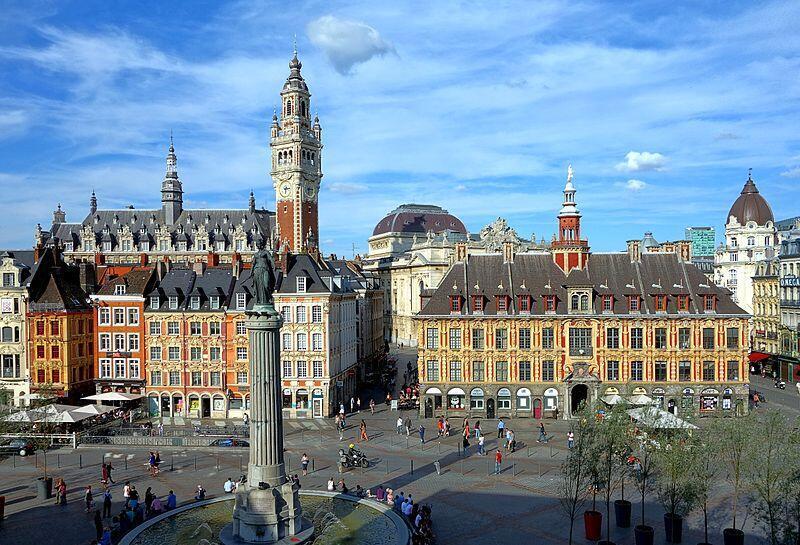 法國北部重鎮里爾市中心的大廣場。