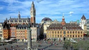 法国北部重镇里尔市中心的大广场。