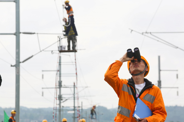 貴州一處鐵路建設工地正在工作的工人