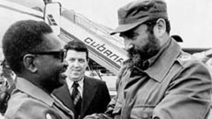 Agostinho Neto et Fidel Castro à Luanda, en 1977.