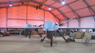 Le Drone Reaper de l'armée de l'air française sur la base de Niamey au Niger.