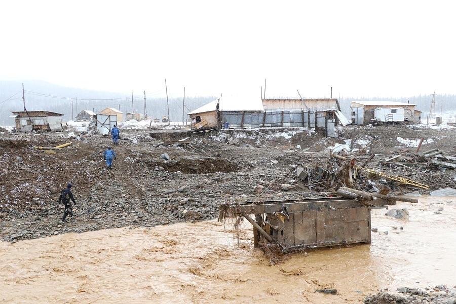 Спасательные работы в районе поселка Щетинкино Красноярского края, 20 октября 2019.