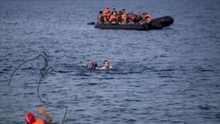 Arrivée de réfugiés syriens, le 9 septembre 2015, sur l'île de Lesbos, en Grèce.
