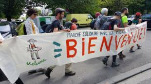 «La marche des migrants» en direction de Lyon.