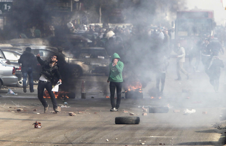 Affrontements entre pro-Morsi et forces de l'ordre à Nasr City, près du Caire, le 3 janvier.