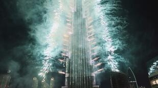 Queima de fogos de artifício em Dubai pode entrar para o livro dos recordes.