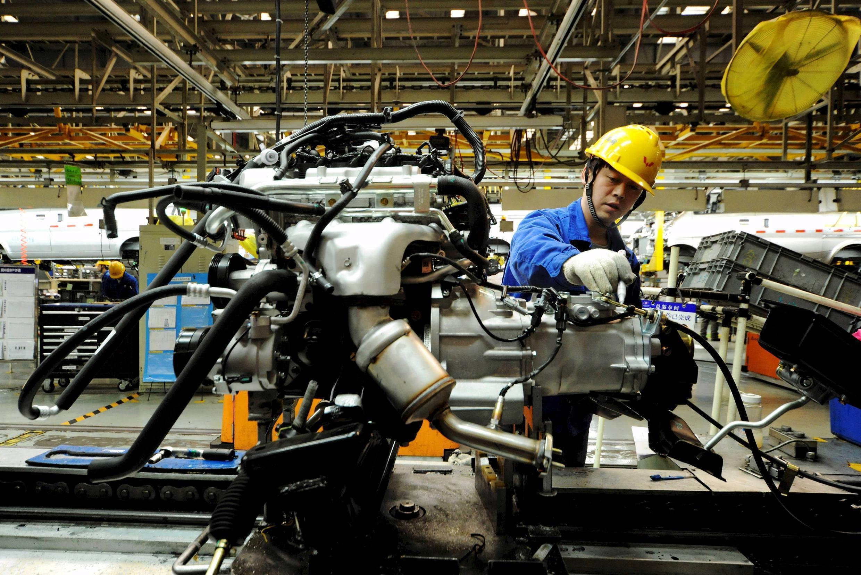 Một xưởng lắp ráp xe hơi tại Thanh Đảo, tỉnh Sơn Đông, Trung Quốc ngày 01/03/2016. Trung Quốc tăng trưởng chậm tác động đến các nền kinh tế cả châu Á.