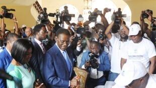 Le parti du président Obiang, photographié ici lors de l'élection présidentielle de 2016, a largement remporté les élections municipales, législatives et sénatoriales du 12 novembre 2017.