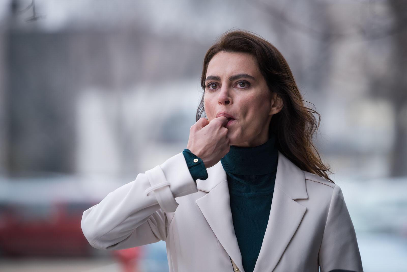 Catrinel Marlon (Gilda) dans « Les siffleurs » de Corneliu Porumboiu.