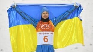 Александр Абраменко выиграл золотую медаль в мужском фристайле на зимних Олимпийских играх в Пхеньяне. 18 февраля 2018 год