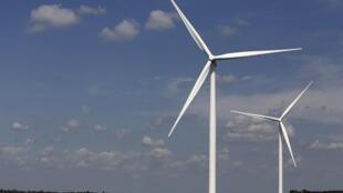 Des éoliennes dans un champ de l'Iowa, Etats-Unis.