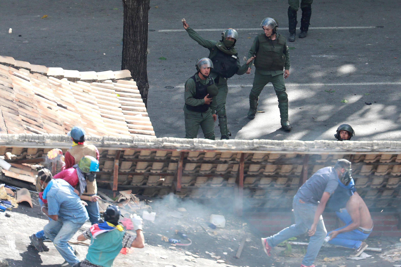 درگیری میان مخالفان و پلیس در روز چهارشنبه 26 ژوئیه.