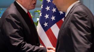 Le président américain Donald Trump et son homologue chinois Xi Jinping au G20 de Hambourg, le 8 juillet 2017.
