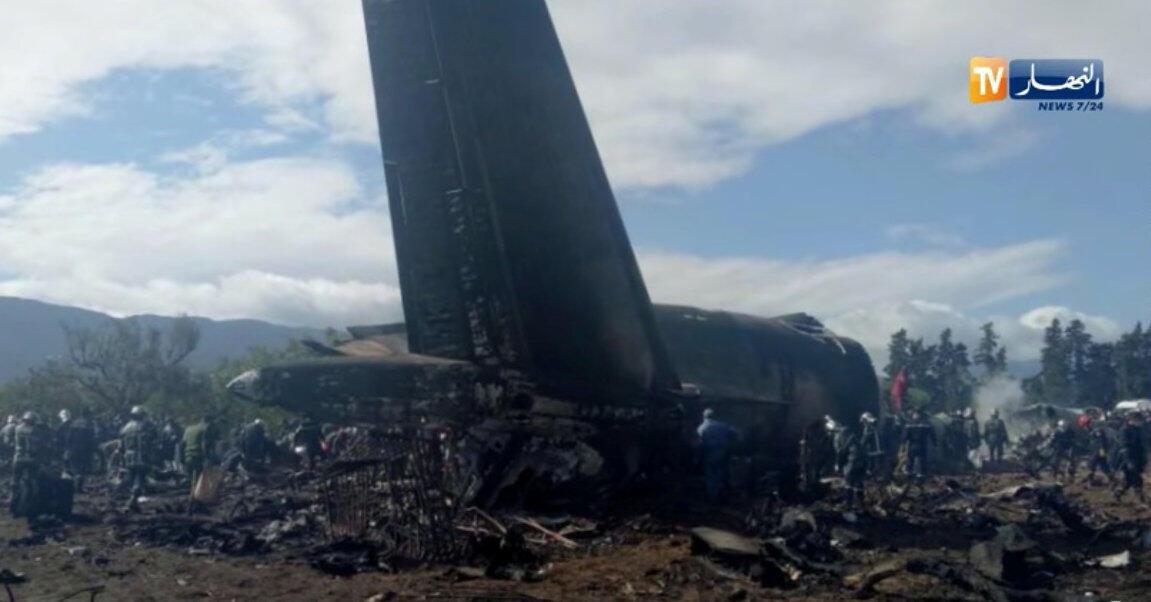 Acidente de avião militar na Argélia deixa 257 mortos.