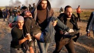 加沙以色列军方向巴勒斯坦示威者开枪。2018-04-01