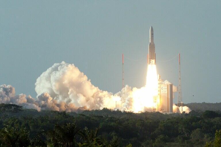 Tir d'une fusée Ariane V, à Kourou, en août 2012.