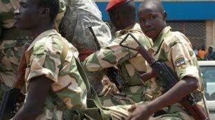 Des soldats en patrouille dans les rues de Bangui, le 2 septembre.