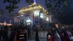 نمایی از زیارتگاه صوفیان در پاکستان