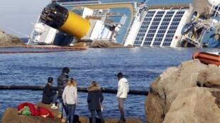 Costa Concordia: опасность крупнейшей экологической катастрофы