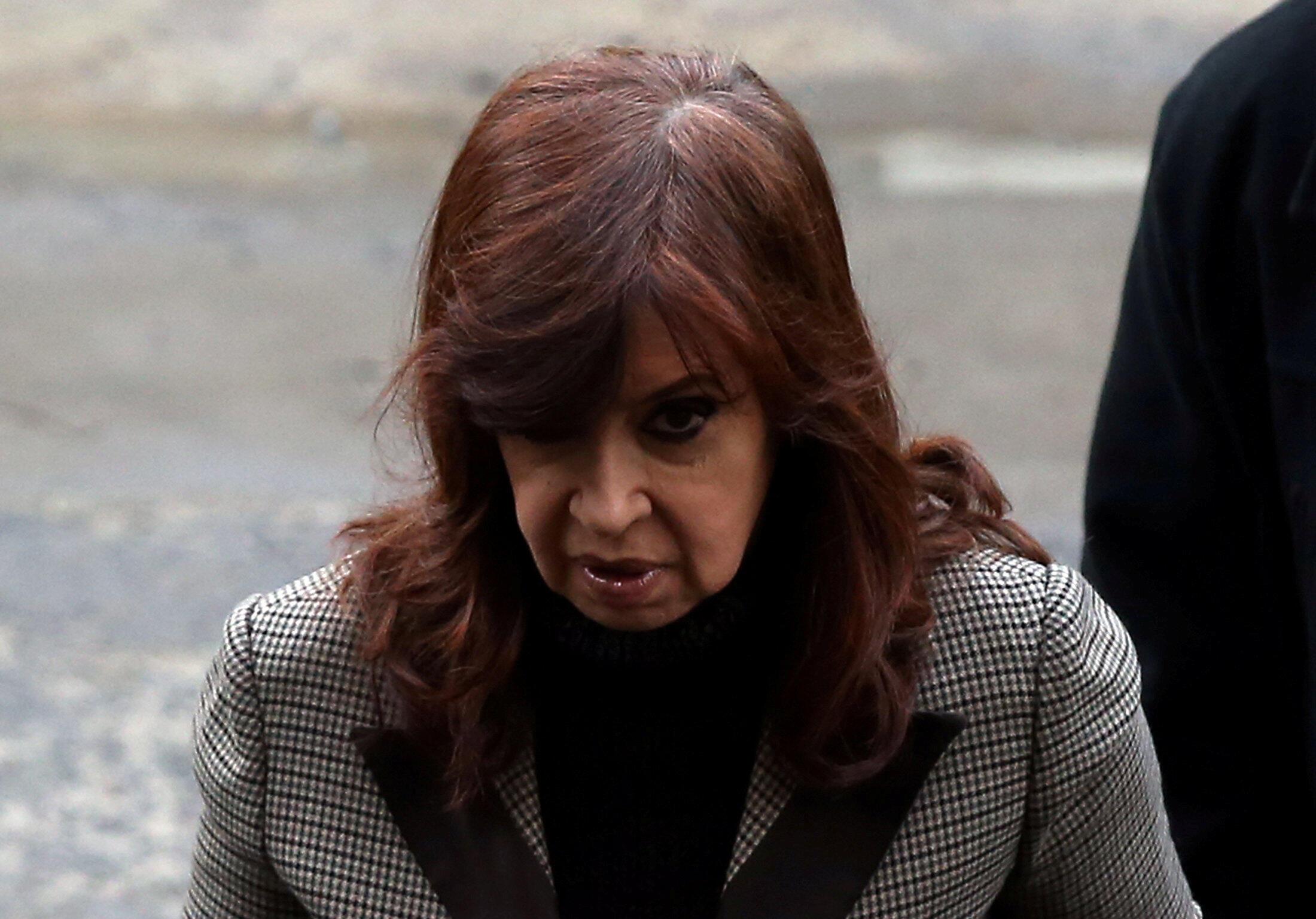 Para retirar a imunidade parlamentar de Cristina Kirchner é necessário o voto de dois terços do Senado da Argentina.