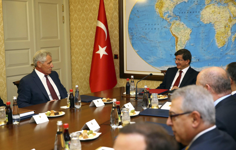 Le secrétaire américain à la Defense Chuck Hagel et le Premier ministre turc Ahmet Davutoglu le 8 septembre à Ankara ont déjà discuté de la coalition internationale contre l'EI voulue par les Américains.
