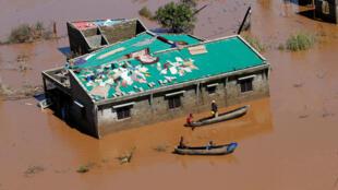 В Мозамбике погибшими числятся 217 человек