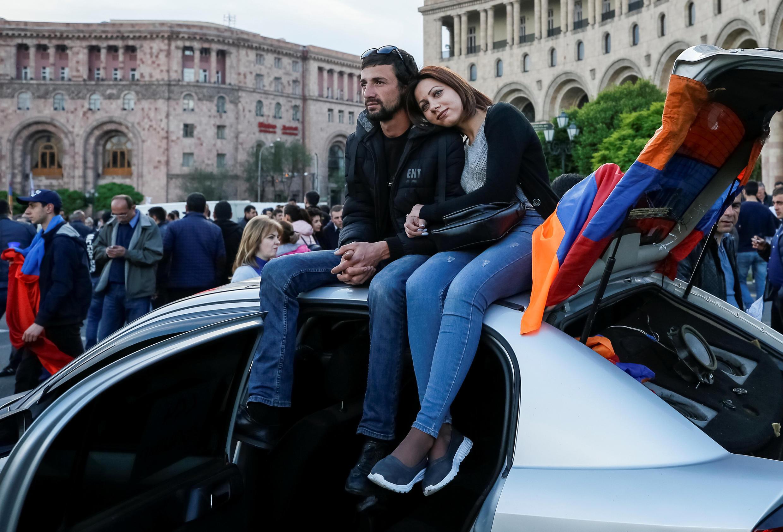 За два дня до выборов премьера в Ереване продолжились протесты, 29 апреля 2018.