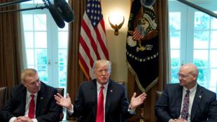 Tổng thống Mỹ Donald Trump họp về vấn đề thuế thép - nhôm tại Nhà Trắng, Washington, 1/3/2018