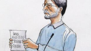 A l'ouverture de son procès, Michel Fourniret a brandi un papier sur lequel est inscrit