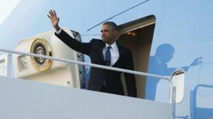 Barak Obama, à partida para o Quénia
