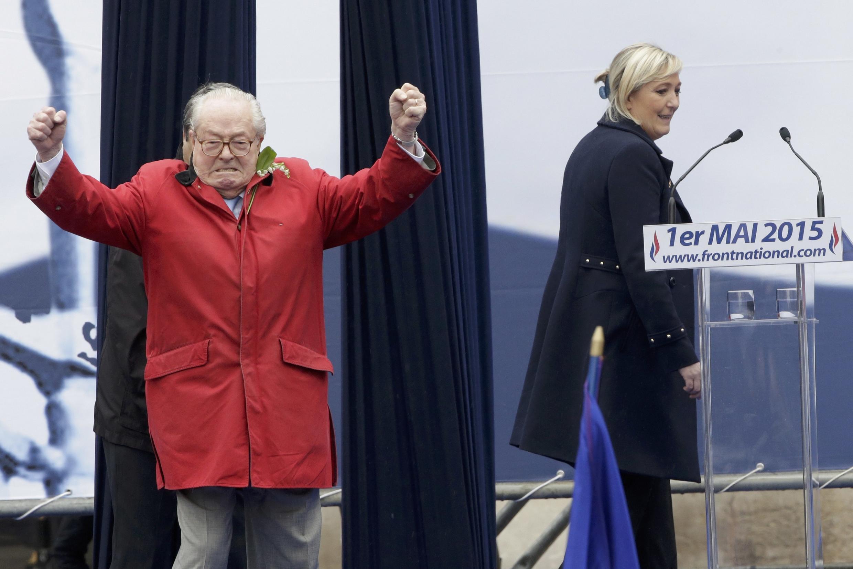 В ходе манифестации по случаю 1 мая Жан-Мари Ле Пен и Марин Ле Пен проигнорировали друг друга.