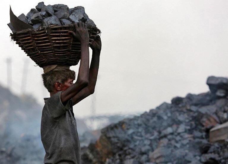 Dans le district de Dhanbad, dans l'État de Jharkhand en Inde où la consommation de charbon continue de grimper.