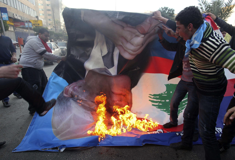 Protestos contra nomeação de premiê apoiado pelo Hezbollah em Tripoli