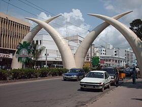 Mji wa Mombasa pwani ya Kenya
